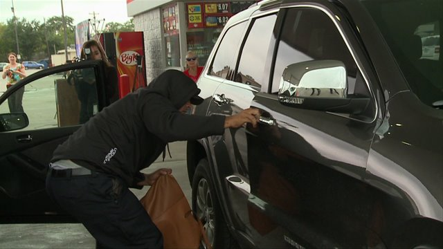 HPD offers tips to avoid purse theft this holiday season