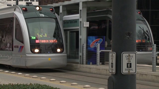 METRO to give FREE bus and rail rides New Year's Eve