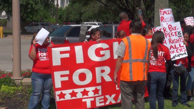 """Fast food workers """"fight for $15″"""