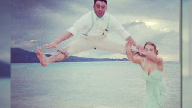 Disastrous Wedding Pic Goes Viral