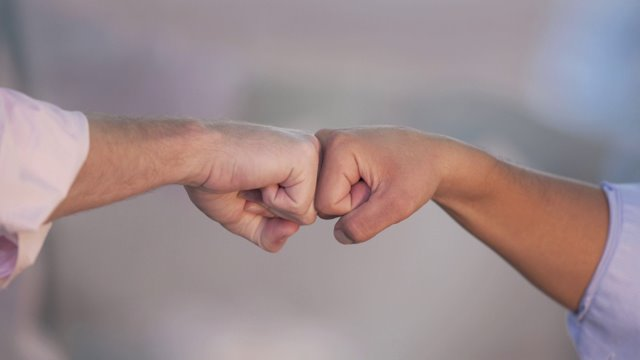 Study says fist bumps spread a lot less germs than handshakes