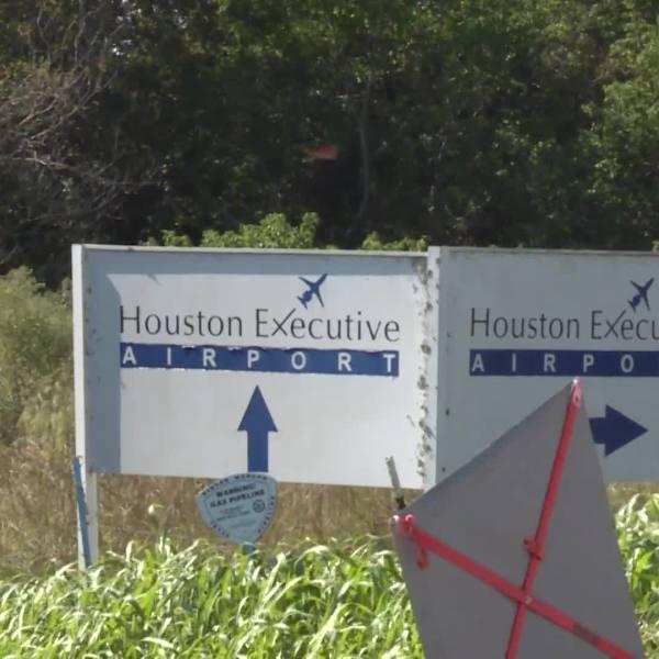 Plane crash at Houston Executive Airport. KIAH